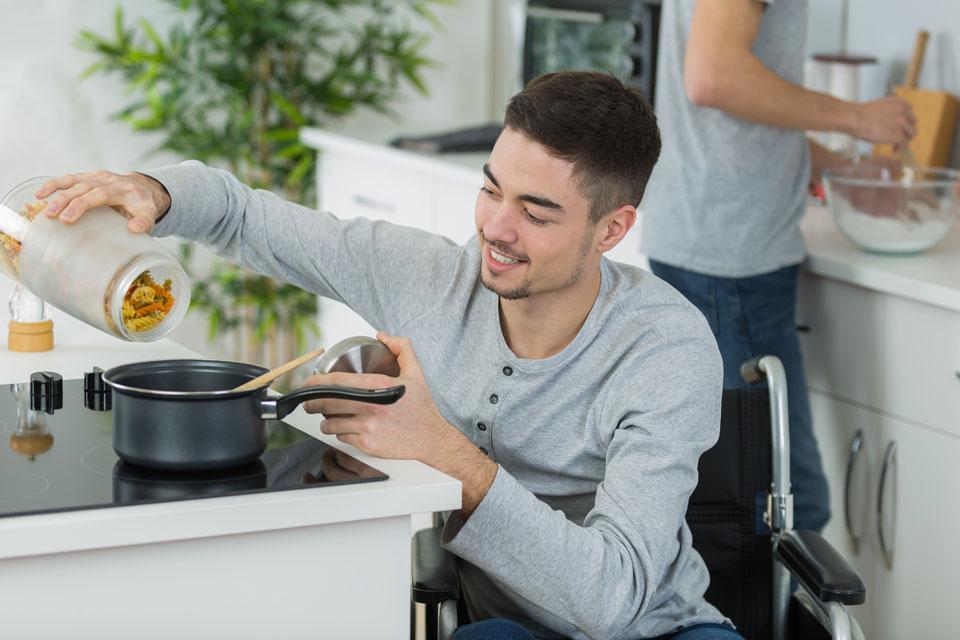Préparation et aide à la prise des repas